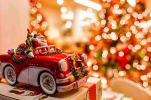 Tục đón Giáng sinh quái đản và kỳ cục nhất trên thế giới
