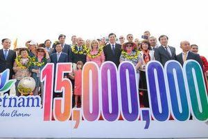 Du lịch Việt Nam đón vị khách quốc tế thứ 15 triệu.