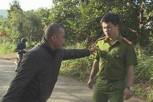 Đắk Lắk: Vi phạm giao thông còn đòi đốt xe, đánh CSGT