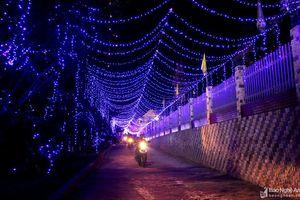 Rực rỡ sắc màu chào đón Giáng sinh ở Nghệ An