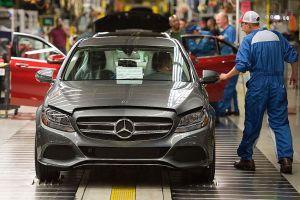Mỹ - Trung 'đình chiến', giảm thuế ô tô trong 3 tháng