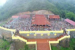 Hơn 2.000 phật tử dâng hương, chiêm bái Phật hoàng Trần Nhân Tông