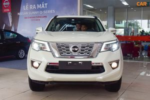 Giá lăn bánh xe Nissan Terra năm 2019