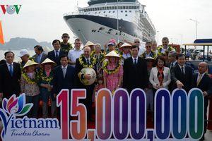 Việt Nam đón vị khách quốc tế thứ 15 triệu trong năm 2018
