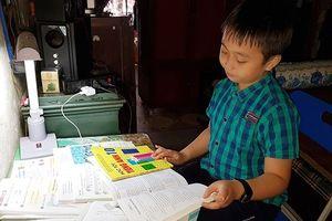 'Thần đồng' Quảng Bình giành giải Trạng nguyên tiếng Anh với học bổng 1,5 tỷ đồng