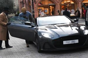 David Beckham sắm thêm xế khủng Aston Martin DBS Superleggera