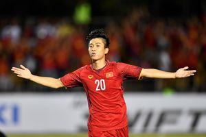 Pha ghi bàn của Phan Văn Đức dẫn đầu cuộc bầu chọn tại AFF Cup 2018