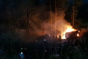 Xe chở xăng lao xuống đèo Hải Vân bốc cháy khiến tài xế tử vong