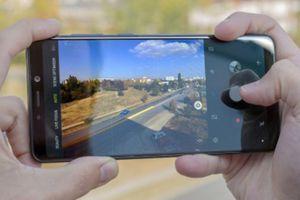 Galaxy A9 2018 với 4 camera khoe khả năng chụp đêm với smartphone 'lạ'