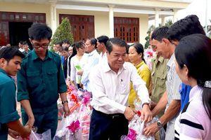 Hỗ trợ quà tết cho hơn 20 nghìn hộ nghèo, cận nghèo