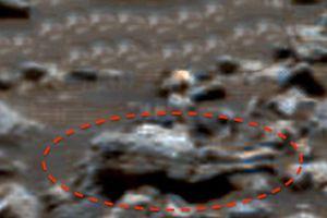 Nghi xác người ngoài hành tinh 'tọa' trên sao Hỏa?