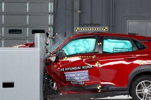 Mercedes E Class, BMW 5 series... xướng tên trong danh sách xe an toàn nhất năm
