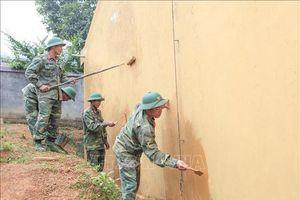 Tình quân dân trên bản vùng cao Huổi Chan 2