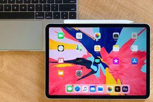 iPad Pro bị cong từ khi 'đập hộp' - Apple khẳng định đó là điều bình thường