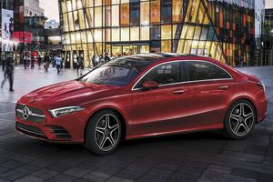 10 xe hạng sang tốt nhất cuối 2018 với tầm giá dưới 1 tỷ đồng