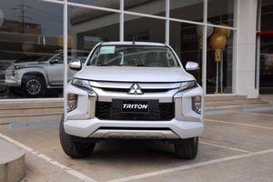 Mitsubishi Triton 2019 lộ giá tạm tính, đại lý bắt đầu nhận cọc