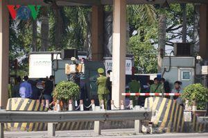 Hình ảnh trạm BOT Bắc Thăng Long – Nội Bài 'thất thủ' do lái xe phản đối