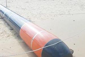 Phú Yên: Vớt được vật lạ giống quả ngư lôi có chữ Trung Quốc