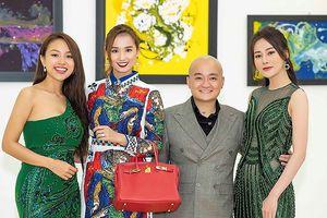 Nhà thiết kế Cao Minh Tiến bất ngờ mở triển lãm, khoe tài hội họa