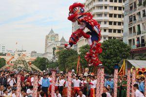Màn đồng diễn 108 con lân lập kỷ lục Guinness Việt Nam