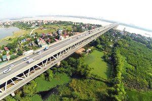 Bãi xe lậu gầm cầu Thăng Long: Uy hiếp nghiêm trọng an toàn kết cấu cầu