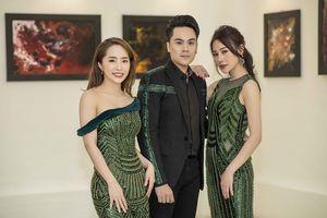 'Quỳnh búp bê' Phương Oanh đọ sắc 'cá sấu chúa' Quỳnh Nga ở triển lãm tranh