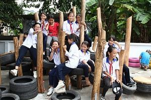Ford Việt Nam góp sức xây dựng sân chơi tái chế cho trẻ em, hướng đến một môi trường 'xanh'