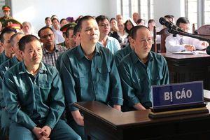 12 bị cáo trong vụ án buôn lậu xăng dầu 2.000 tỷ đồng lĩnh án