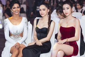 Hoa hậu Mỹ Linh đưa ra câu hỏi xoắn não: Tìm điểm chung giữa Hương Giang, Đỗ Mỹ Linh và H'Hen Niê