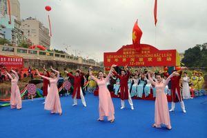 Giao lưu hát đối trên sông biên giới Việt - Trung 2018