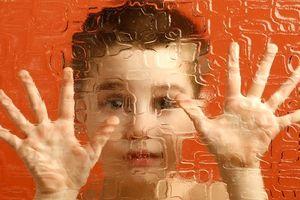 Giáo dục cho trẻ tự kỷ: 'Bỏ thì thương, vương thì tội'