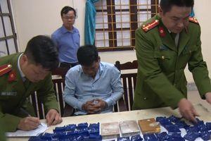 Phát hiện 3 bánh heroin, 14.000 viên ma túy tổng hợp trong nhà trùm ma túy xứ Nghệ
