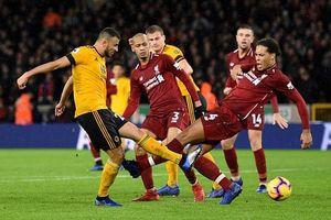 Thắng nhọc Wolverhampton, Liverpool duy trì ngôi đầu bảng