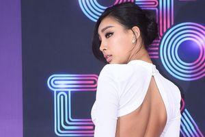 Người mẫu nóng bỏng lấn át 'nữ thần' Seolhyun trên thảm đỏ