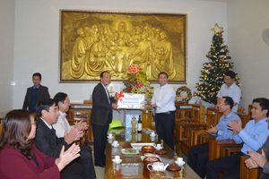 Quảng Bình: Thăm và tặng quà các Giáo xứ nhân dịp Lễ giáng sinh 2018