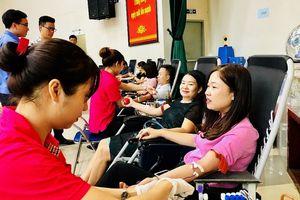 Hà Nội phấn đấu đạt tỉ lệ 2,7% dân số trở lên tham gia hiến máu tình nguyện