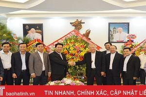 Chủ tịch UBND Hà Tĩnh chúc mừng Giáng sinh Tòa Giám mục giáo phận Vinh