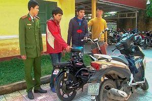 TT- Huế: Hai đối tượng trộm xe đạp điện bị công an vây bắt cùng tang vật