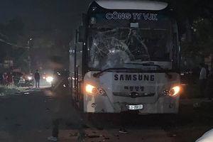 Va chạm trực diện với xe chở công nhân công ty Samsung, hai thanh niên 19 tuổi đi xe SH tử vong