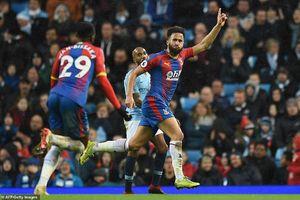 Man City, Chelsea cùng thua sốc sân nhà, Liverpool bứt phá