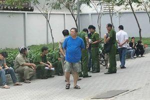 Bé gái rơi từ tầng 9 chung cư xuống đất ở Sài Gòn