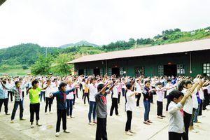 Trường học vùng cao chủ động đối phó với rét