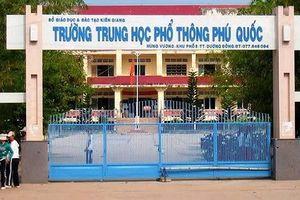 Hàng trăm học sinh Phú Quốc phải thi lại môn toán lớp 11