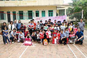 'Tết ấm yêu thương' của Công đoàn Cục QLĐT tại Ba Vì, Hà Nội