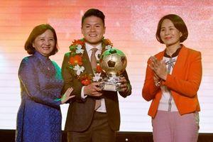 Quang Hải giành danh hiệu Quả bóng Vàng Việt Nam 2018
