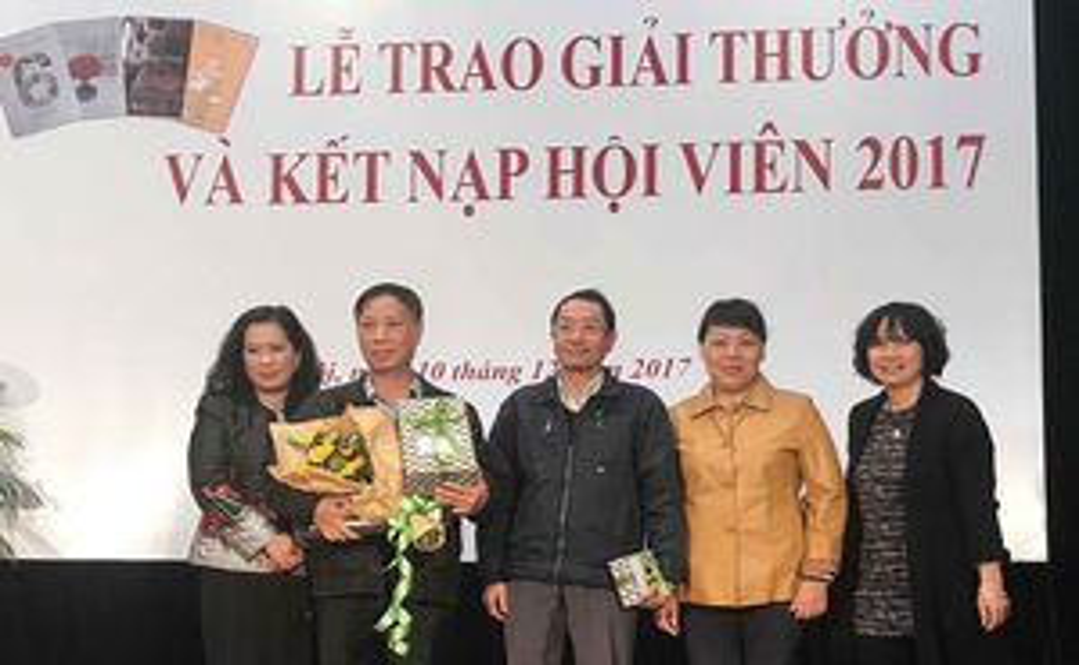 Văn giới Hà Nội, một năm nhìn lại