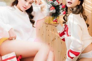 Hot girl Trâm Anh mặc nội y khoe vòng 3 táo bạo mừng Giáng sinh