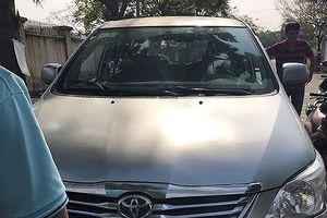 Nhóm đối tượng dùng giấy tờ giả thuê xe ô tô rồi mang sang Campuchia bán