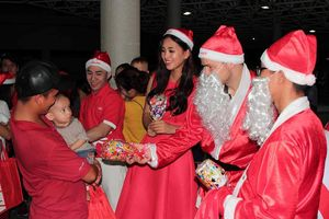Giáng sinh vui của các bệnh nhi tại bệnh viện