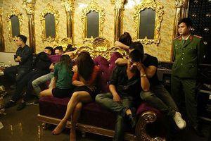 Tin mới vụ nữ giáo viên tham gia 'tiệc' ma túy tại quán karaoke